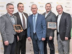 Port and HDR staff with their 2019 Engineering Excellence Award